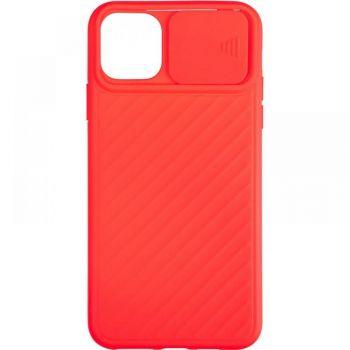 Защитный чехол Slide Camera от AirCase для iPhone 12 Pro красный